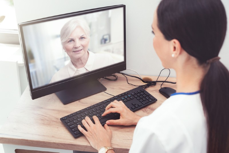 sydney naturopath and nutritionist doing an online consultation | Perpetual Wellbeing